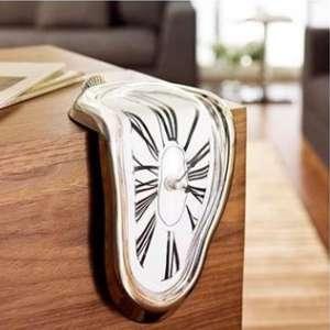 Horloge coulante argentée effet fondant Salvador Dali