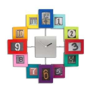 Horloge murale avec 12 cadres photos colorés multicolores