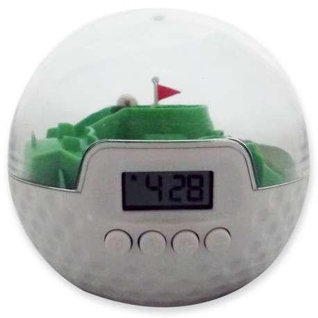 Réveil jeu balle de golf avec parcours