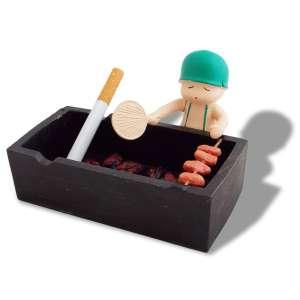 Petit soldat et son barbecue cendrier