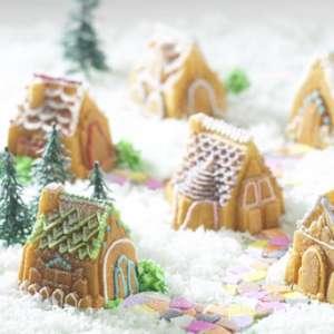 Moule à gâteau en silicone village