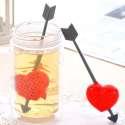 Boule à thé cœur traversée d'une flèche