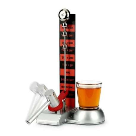 Jeu du marteau à boire : 1 rampe plateau, 1 verre à shot, 1 marteau