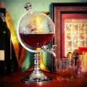 Distributeur de boisson en forme de globe terrestre