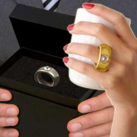 Tasse avec anse en forme de bague mug