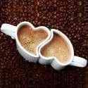 Duo de tasses romantiques en coeur s'emboîtent