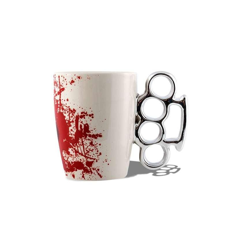 tasse anse poing am ricain mug avec tache sang totalcadeau. Black Bedroom Furniture Sets. Home Design Ideas