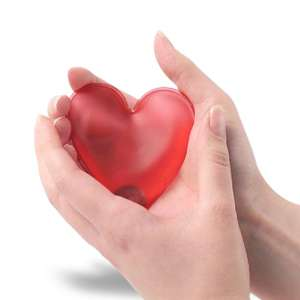 Chaufferette réutilisable en cœur réchauffe main