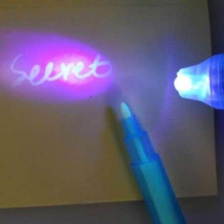 Stylo encre invisible et lampe lumière UV