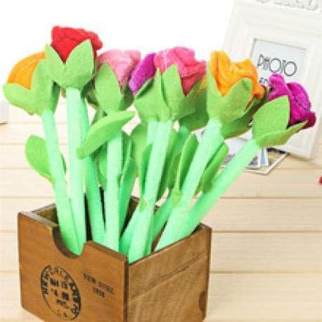 Stylo décoratif et romantique rose colorée