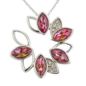 Collier pendentif grosse fleur argentée faux diamants et strass