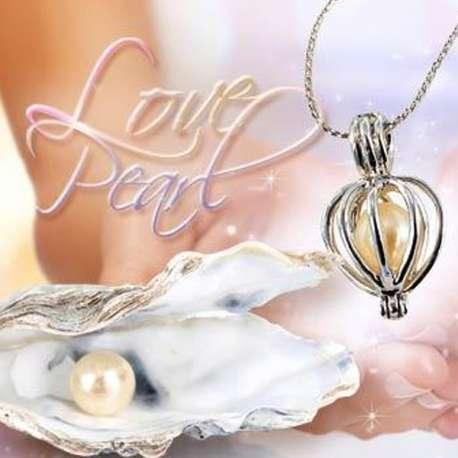 Collier fantaisie à perle véritable dans huître pendentif cage