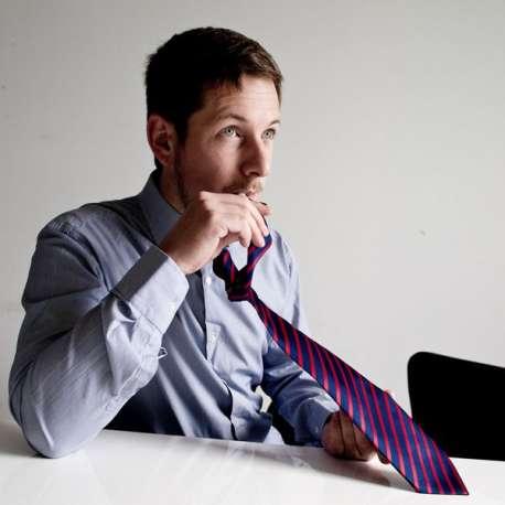 Cravate gourde cachée et tuyau dissimulés
