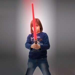 Sabre laser lumineux et sonore