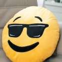 Coussin smiley cool lunettes noires