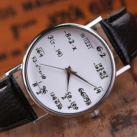Montre bracelet à symbole mathématiques à résoudre