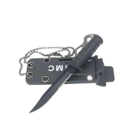 Canif de survie cranté avec étui de protection à chaîne couteau
