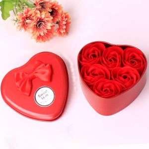 Boîte en forme de coeur avec savons rose rouge cadeau amour love