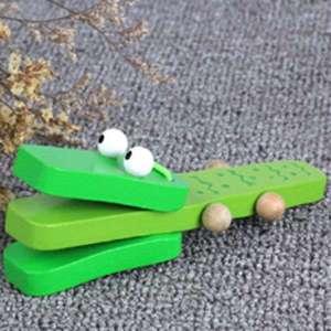 Castagnette en forme de crocodile en bois jeu Montessori