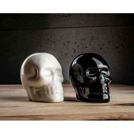 Poivrière et salière en forme de crânes sel poivre tete de mort