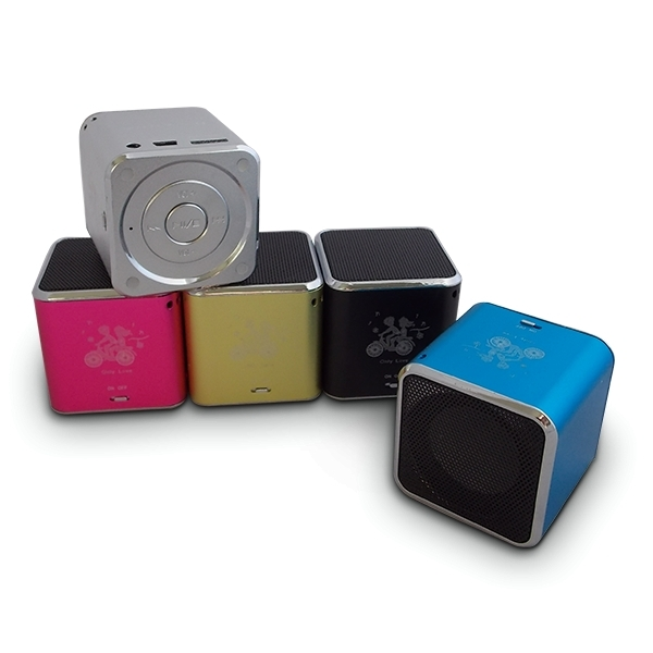 mini enceinte haut parleur cube mp3 sd radio usb bleu ebay. Black Bedroom Furniture Sets. Home Design Ideas
